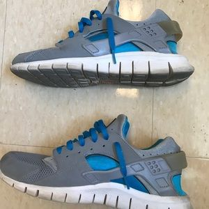 Nike Shoes - NIKE HUARACHE - Blue and Grey, size 10.5